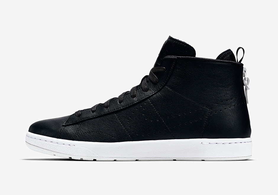 200a5ba12a3e Nike Honors Roger Federer s 18th Major Win With Special Sneaker Release