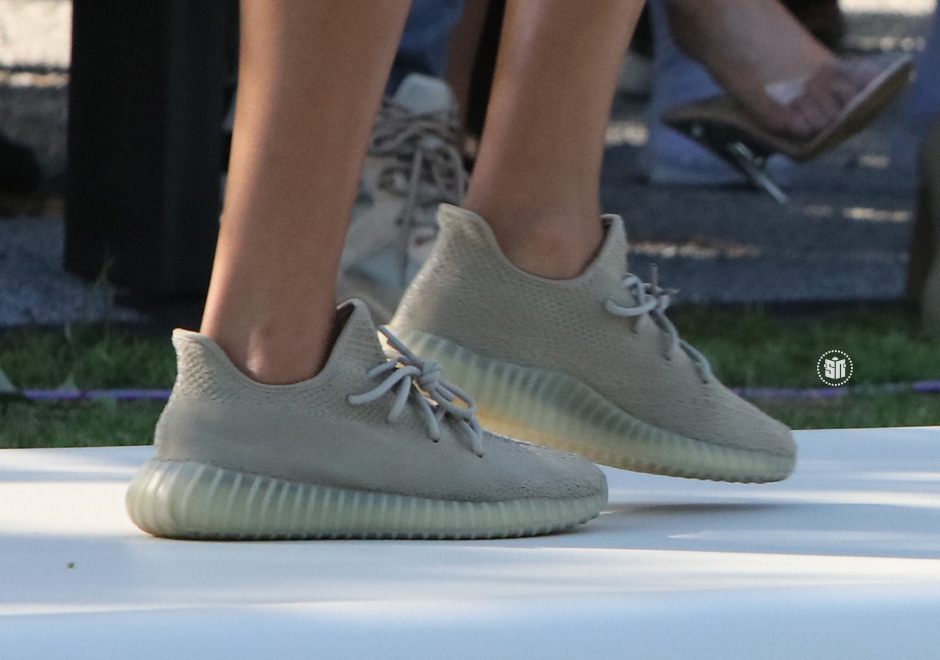 adidas-yeezy-boost-350-v2-dark-green-summer-2017-03
