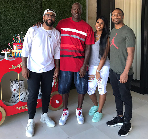 cheap for discount bef27 f5ead Marcus Jordan Shares Family Photos At Trophy Room ...