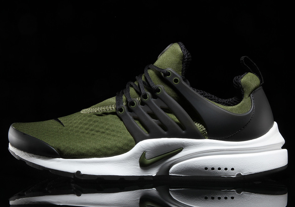 quality design 31b3c 28a12 Olive green is everywhere on sneakers for the past few months, and it looks  like the classic Nike Air Presto isnt getting left out of the trend.