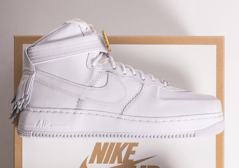 Mp3 Download Another Day Lux: Nike Air Force 1 Sport Lux Freinds And Family