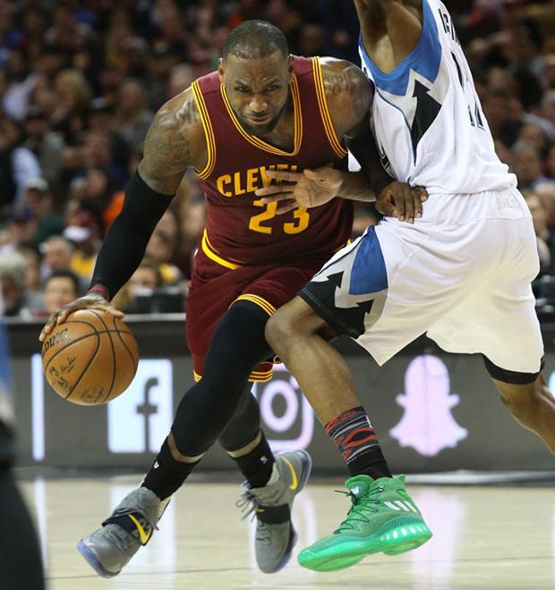 on sale 64786 5034d Nike LeBron 14 Alternate PE vs Timberwolves | SneakerNews.com