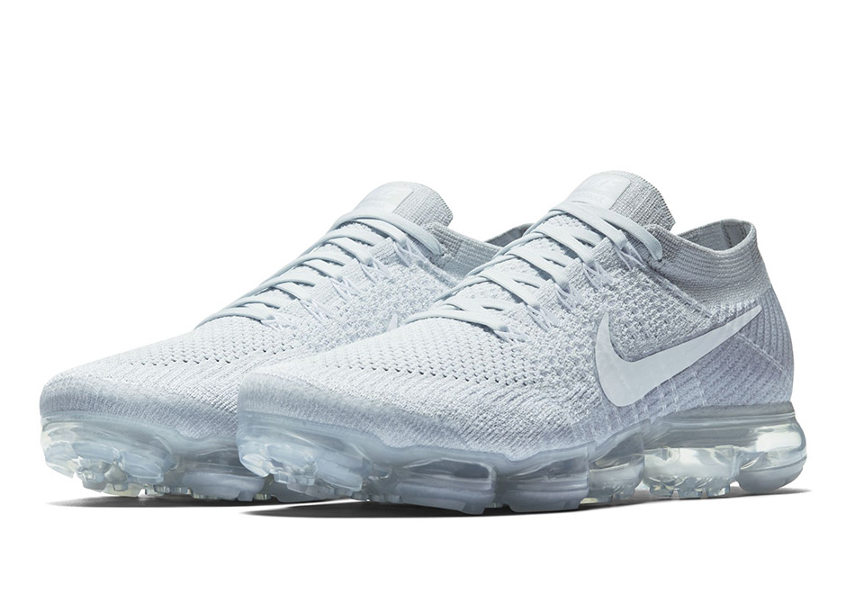 "adce3cc4b4669 Official Images Of The Nike Vapormax ""Pure Platinum"""