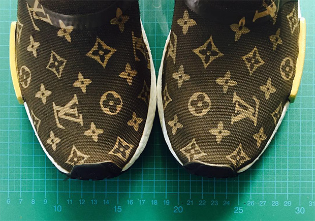 96d02f9b8129 supreme-louis-vuitton-adidas-nmd-custom-05