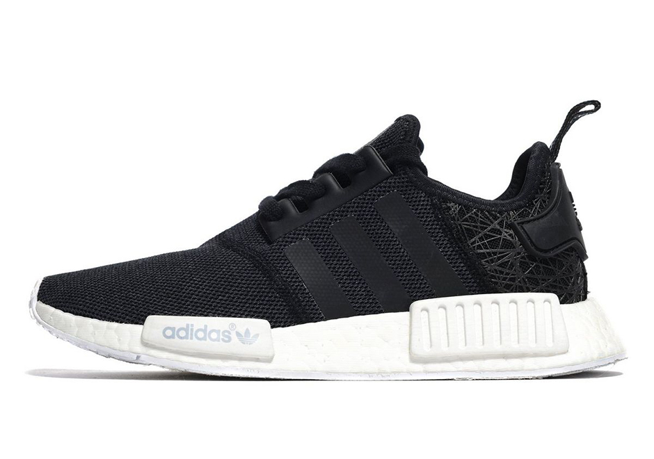 2 women s exclusive colorways are available right now ranging from a  standard Black and a Dark Grey. Grab your pair today via JD Sports. 8c8bc882f