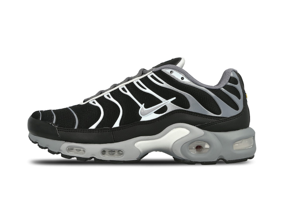 d0dd4917 Nike Air Max Plus Black Cool Grey 852630-010 | SneakerNews.com