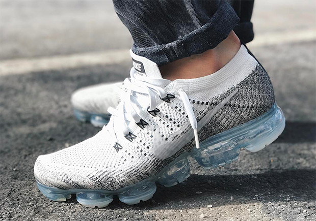 Nike Women Air Vapormax Flyknit Running (pure platinum Bait