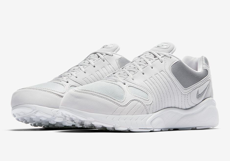 53a402cc43d0 Nike Air Talaria - SneakerNews.com