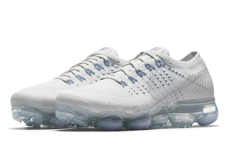 new york 4292f d9a44 Nike VaporMax White Blue Women's Colorway | SneakerNews.com