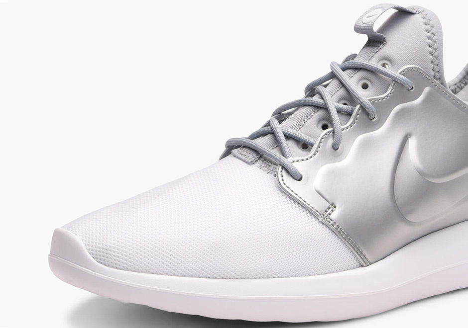 new concept 3c6e7 116e0 Nike Roshe Two Metallic Silver 844656-100   SneakerNews.com