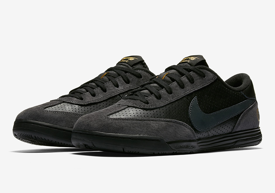 ad20a691ca07 Nike SB Lunar FC Classic Soccer Shoe 921610-007