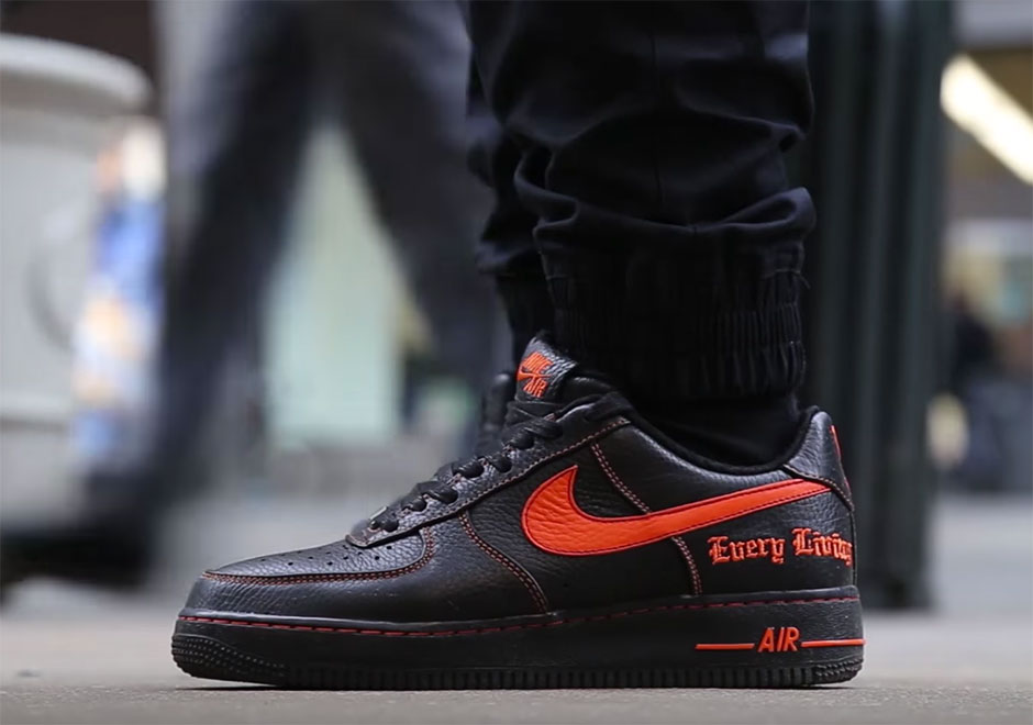 reputable site a8961 1f77b The Chicken Connoisseur Reviews The VLONE x Nike Air Force 1 With A AP Bari