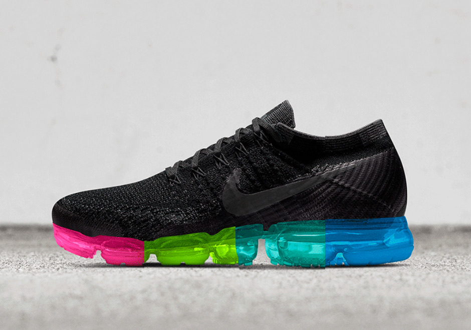 Nike Vapormax Black With White Swoosh