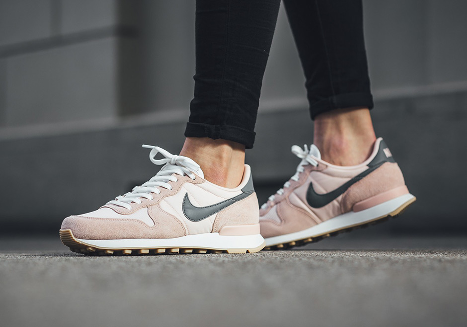 various colors best authentic finest selection new arrivals nike internationalist sd prism rosa vs f9eef eba56