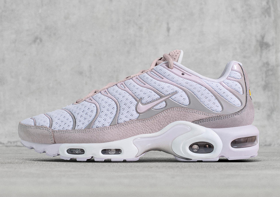 nike air max plus white and gold womens dress