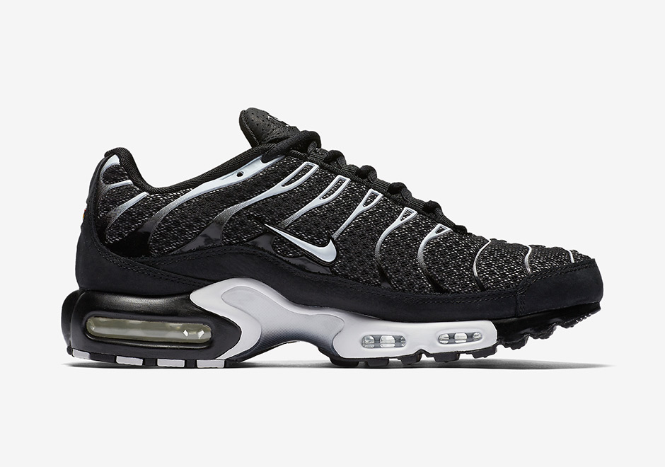 brand new 0ed2a f6a51 NikeLab Air Max Plus Global Release Date  April 25th, 2017. Color   Black Sail-Salsa Red