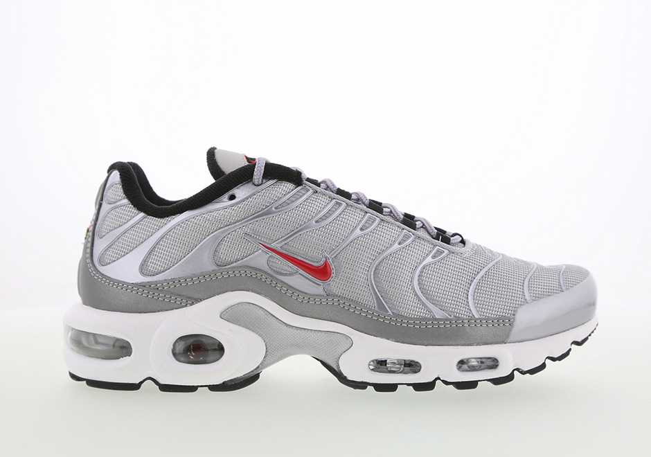 100% authentic addc1 dbf7e Nike Air Max 95. Global Release Date  April 15th, 2017  160. Color   Metallic Silver Varsity Red-Black-White Style Code  918359-001