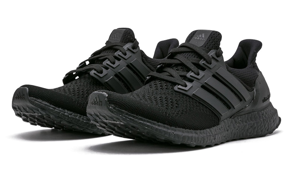 adidas all black ultra boosts