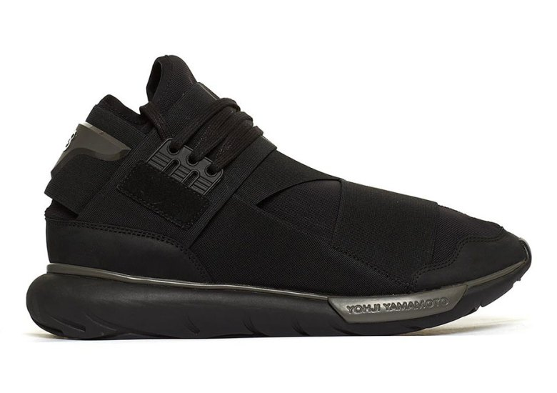 """6bee0090a adidas Y-3 Is Releasing The Qasa """"Triple Black"""" And More For Fall 2017"""