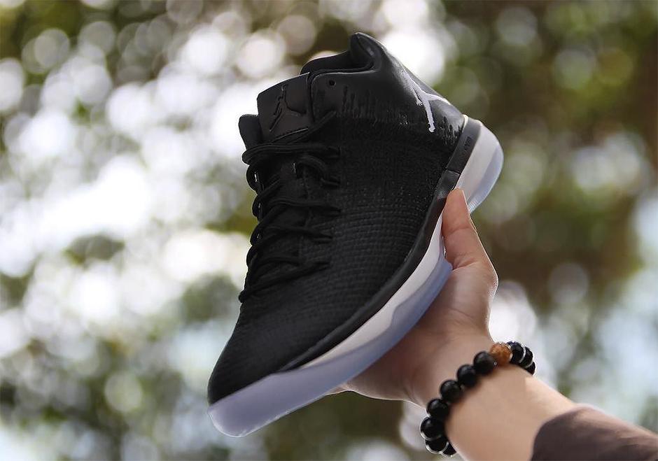 100% authentic d3b47 22426 ... Air Jordan 31 Low Release Date June 2nd, 2017 160. Color Black White ...