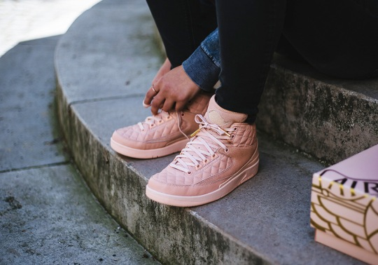 "Detailed Look At The Just Don x Air Jordan 2 ""Arctic Orange"" Box"