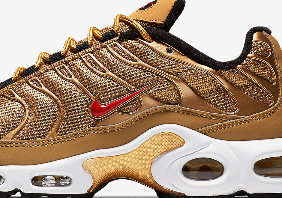 191f0a02c8d16 ... Air Max Plus 97 Nike Sportswear continues to revamp a number of classic  running models inspired by the 20th anniversary ...