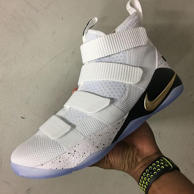 63ed768c14a0 Nike LeBron Soldier 11 White Metallic Gold 897644-101
