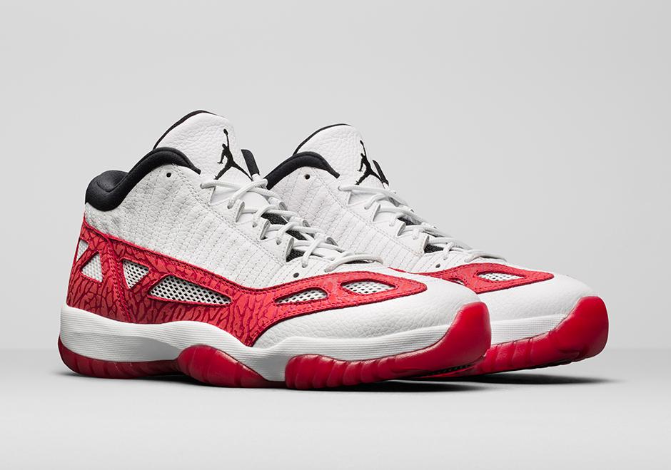 Air Jordan 11 Retro Baja Es Decir, A Pie / Corte
