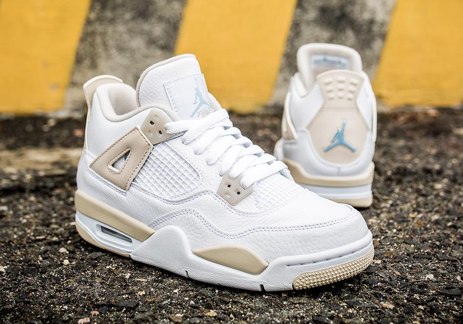 Air Jordan 4 Sable De Lin Sur Les Pieds