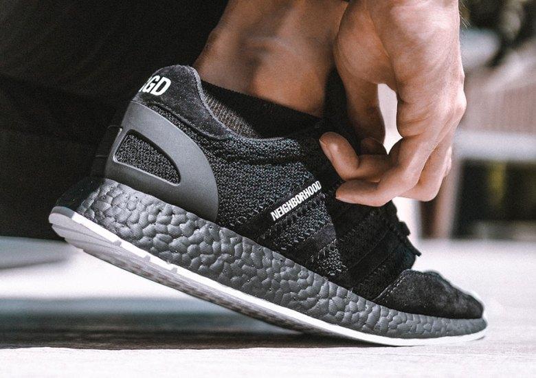Subvención caravana llamar  NEIGHBORHOOD adidas Iniki Boost Runner Release Info | SneakerNews.com