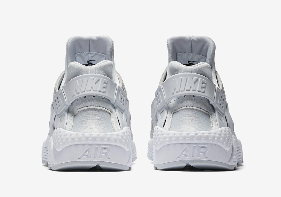 90172a38984b7 Nike Air Max 90. Color  Pure Platinum Pure Platinum-White-Metallic Silver