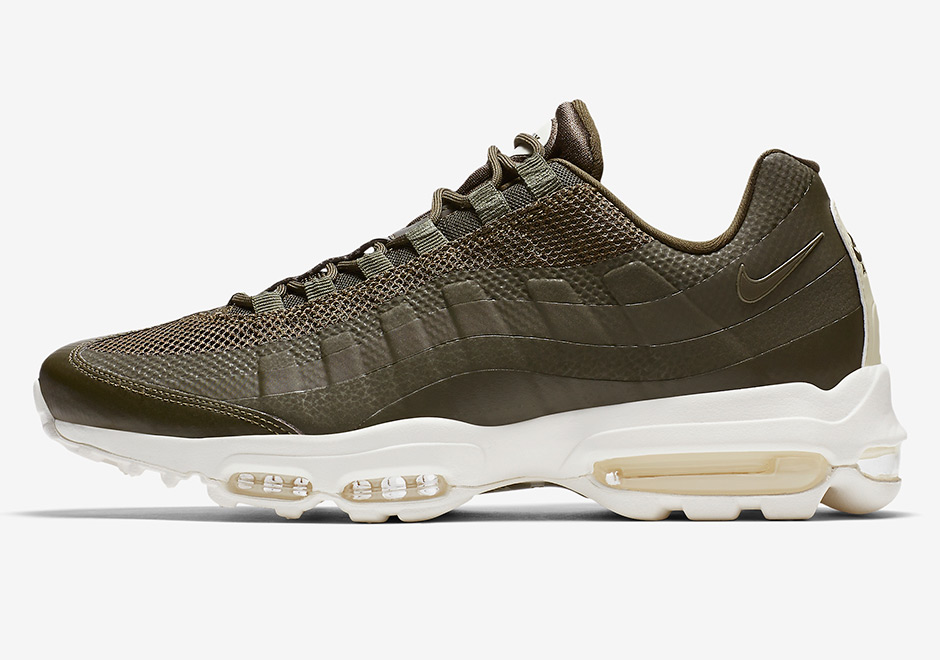 Nike Air Max 95 Ultra Color: Cargo Khaki/Sail