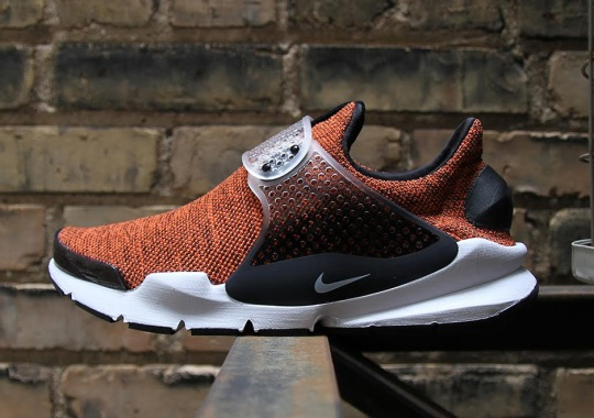 Nike Releases The Sock Dart SE With New Knit Uppers