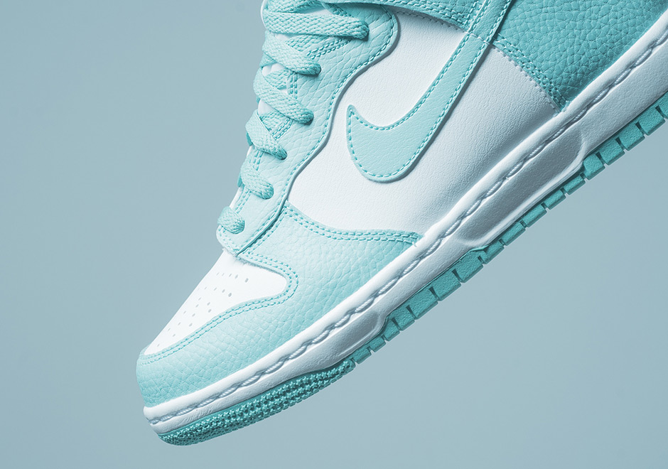 54c8ad90217 Advertisement. Nike Dunk High GS  80. Color  Island Green Island Green-White