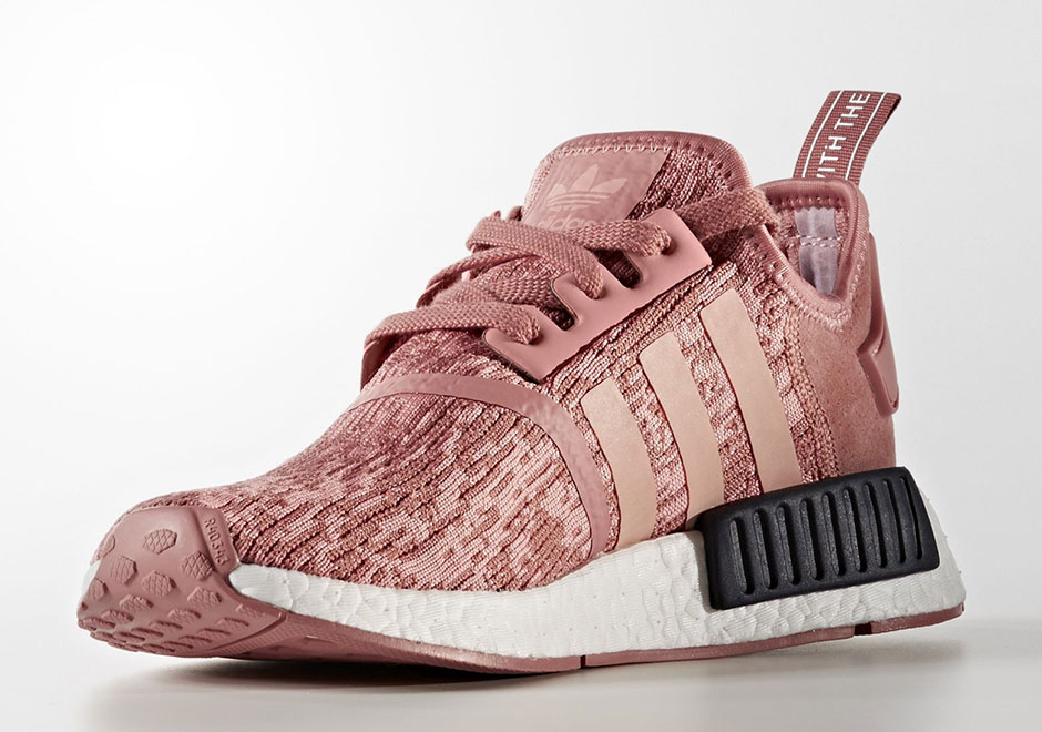 adidas nmd r1 raw pink by9648. Black Bedroom Furniture Sets. Home Design Ideas