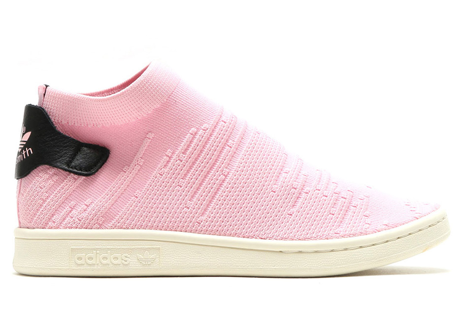 adidas Women s Stan Smith Sock PK Color  Wonder Pink Wonder Pink Core Black 47e0ecfeaf