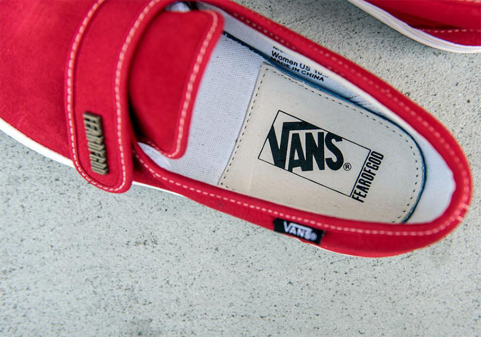 ... and that collaboration will also be joined by the Vans Authentic in two  upcoming options. Stay tuned for full release date details in the near  future. bf96c04d7