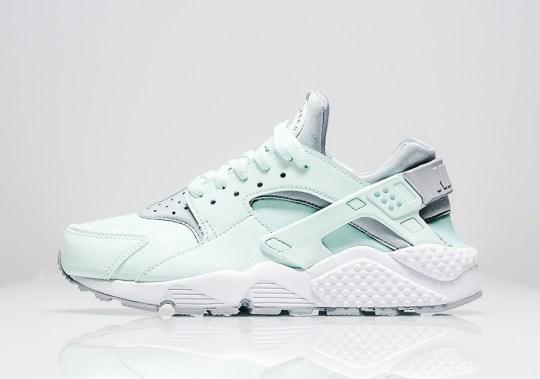 "The Nike Air Huarache ""Igloo"" Cools Off For Summer"