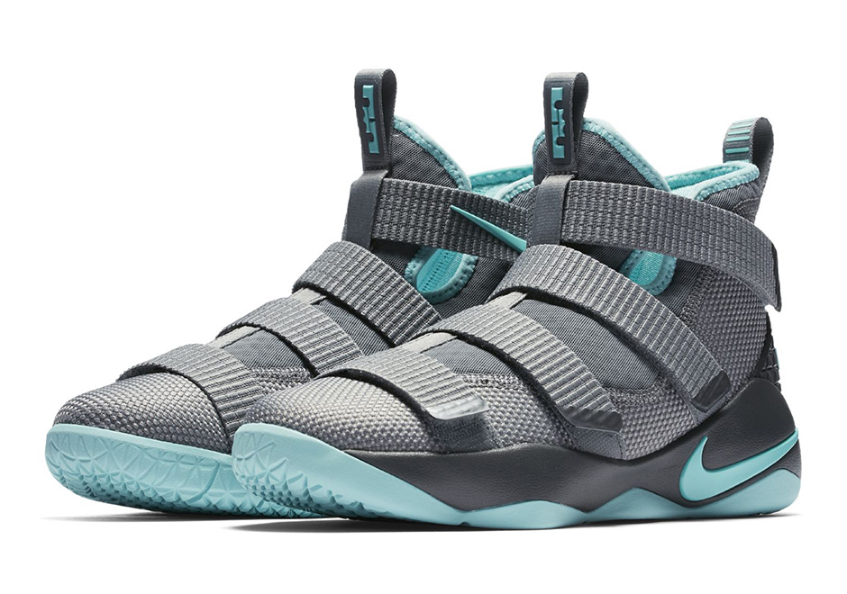 07c5dec1c7ee Nike LeBron Soldier 11 GS 918369-003