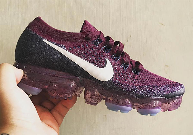 violet nike vapormax