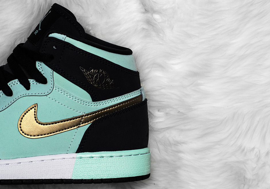 check out 21896 5240a Air Jordan 1 Mint Foam Girl s Exclusive 332148-300   SneakerNews.com