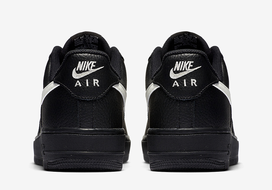 Nike Air Force 1 07 Bajo Negro Del Equipo Universitario Negro Retro Rojo Jy65V