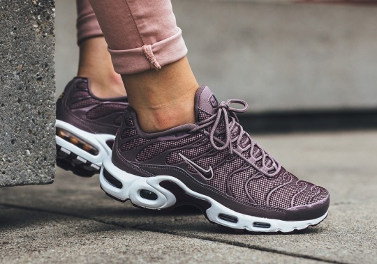 Nike Adds Bordeaux To The Air Max Plus