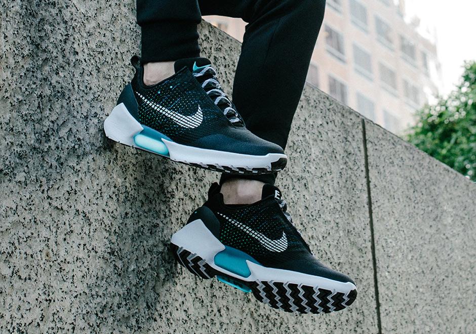 official photos 6b3fa a30fa Nike HyperAdapt 1.0 Nike SNKRS Restock August 2017   SneakerNews.com