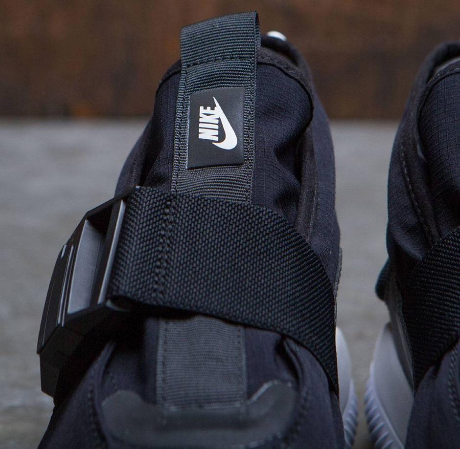 d203027f3ea3 Nike Komyuter Premium  150. Color  Black Black-Summit White-Summit White