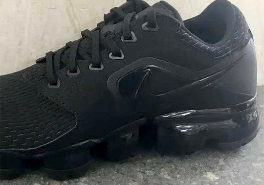 Another New Variation on the Nike VaporMax Surfaces