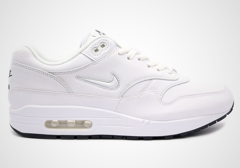 nike air max 1 all white
