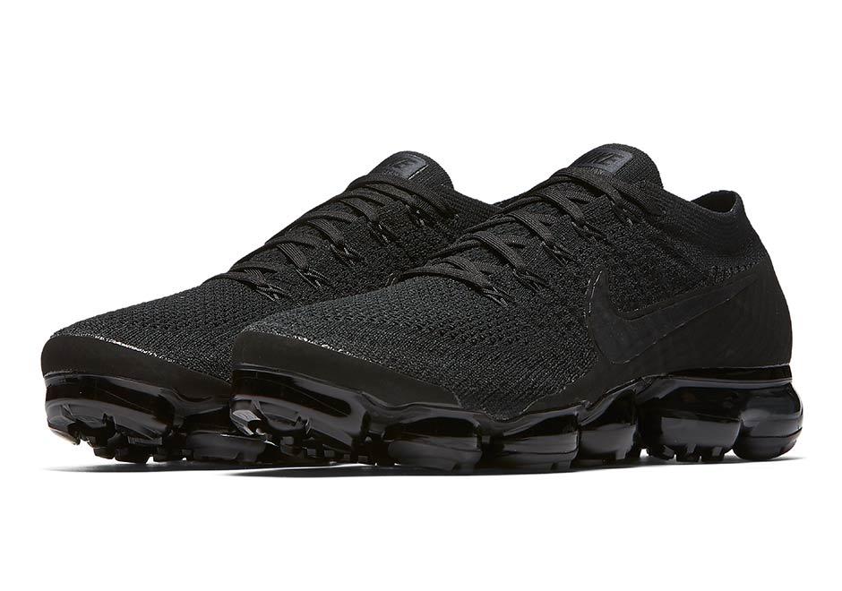 online store cfcf3 017ee Nike Vapormax Triple Black 849558-011 | SneakerNews.com