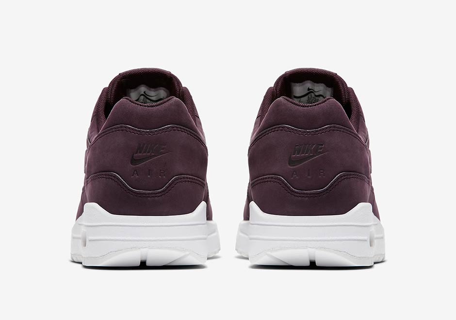 Nike WMNS Air Max 1. Color: River Rock/River Rock-White