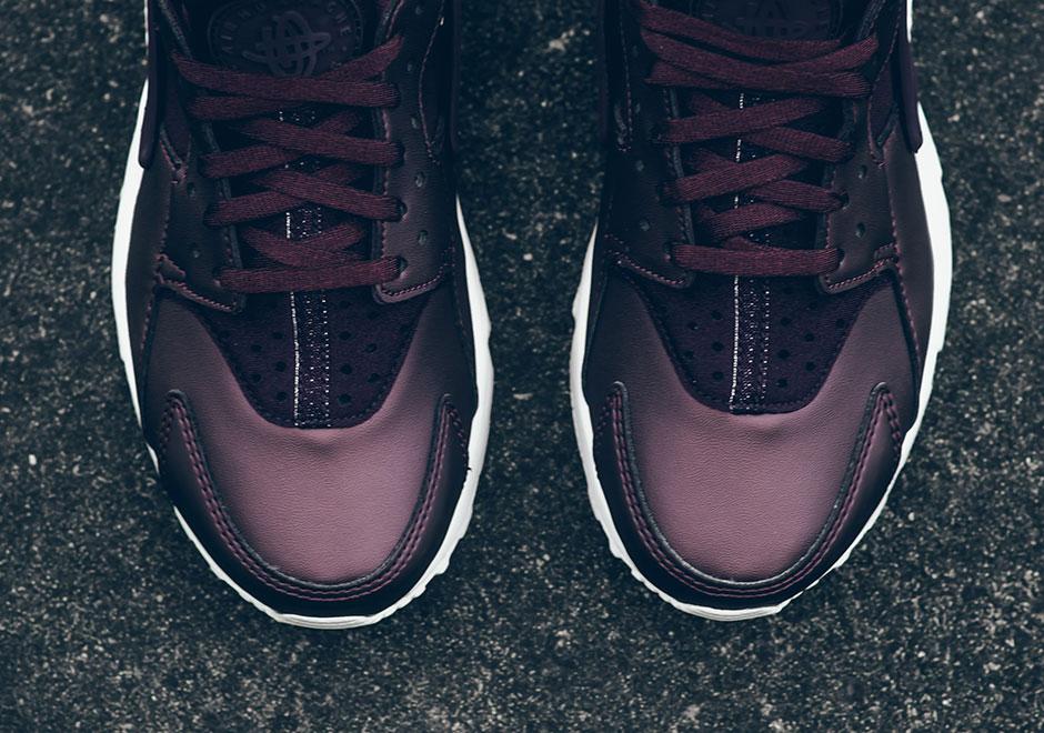 info for 040b0 03598 Nike WMNS Air Huarache Run Premium TXT  130. Color  Mahogany Metallic  Mahogany Style Code  AA0523-202. Advertisement
